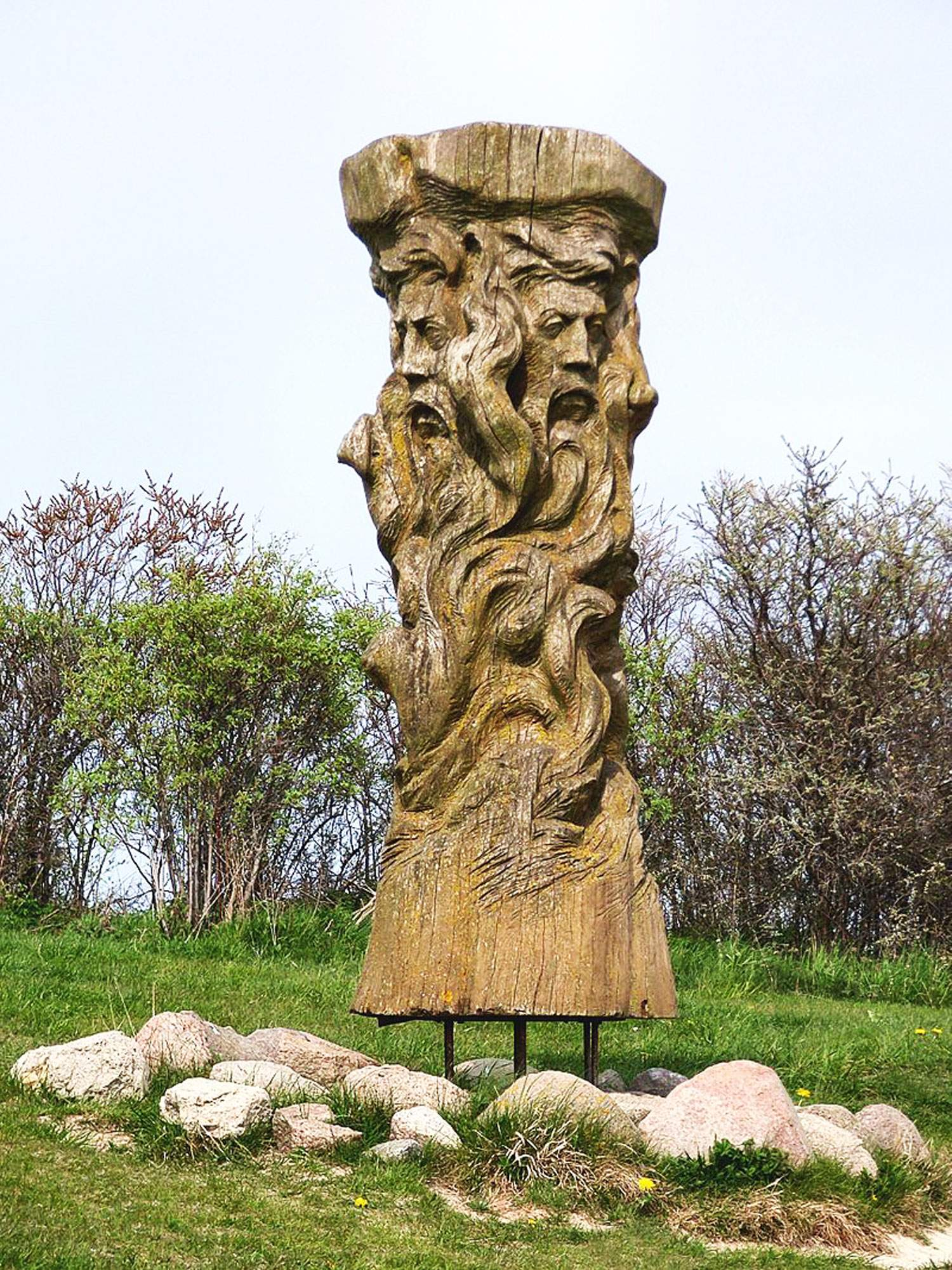 Svantevit-Statue-slavic-god-mythology