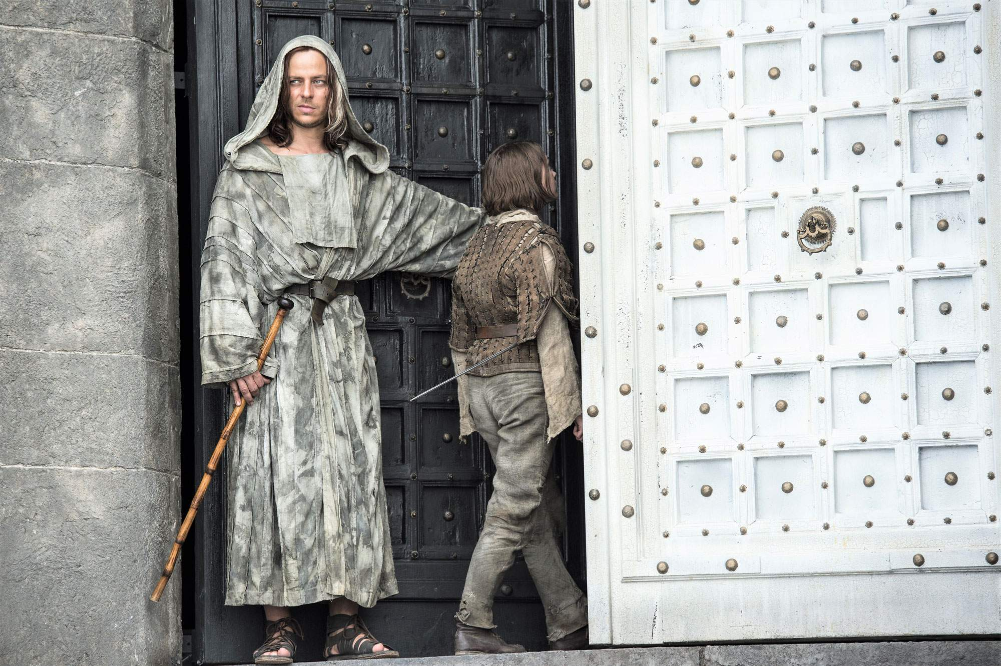 arya-house-of-white-and-black-game-of-thrones