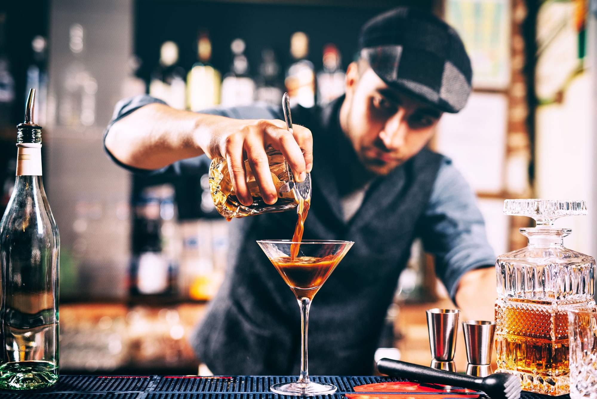 bartender-drink-bar-sorrento-amalfi-coast