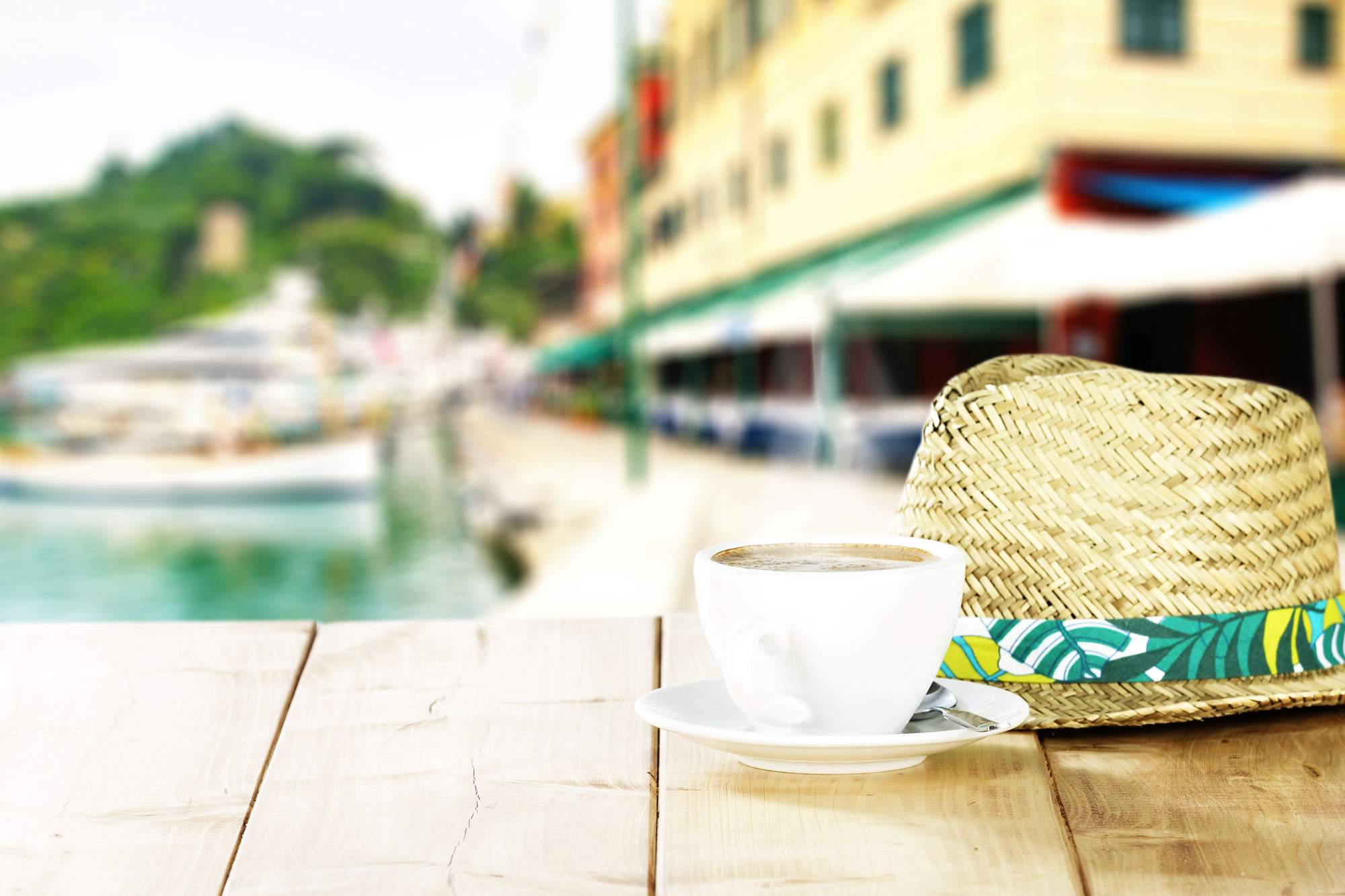 Grab a Coffee, Catch a View: 5 Best Cafes in Amalfi