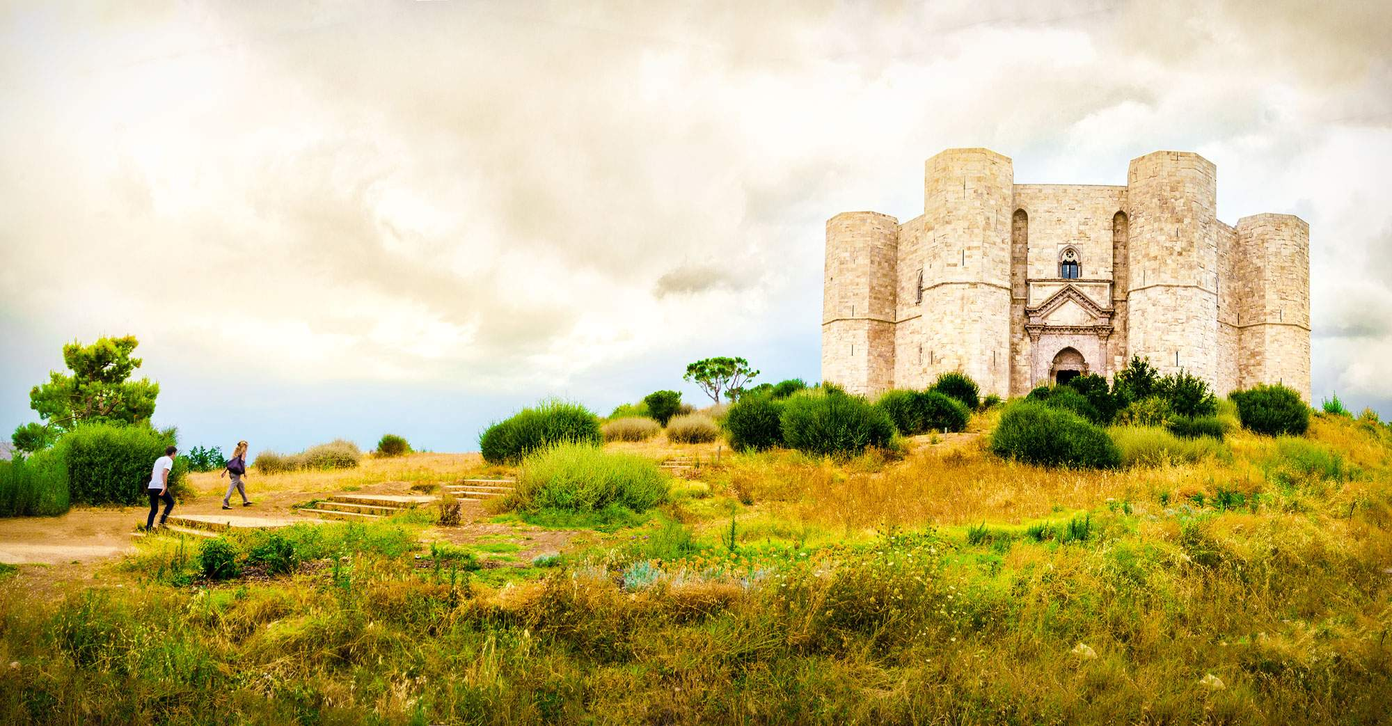 castel-del-monte-puglia-italy-travel-walking