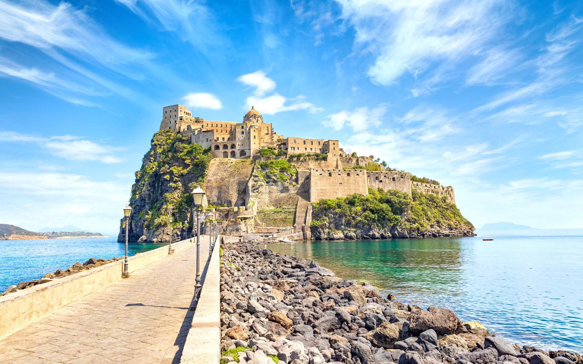 castello-aragonese-italy-naples-amalfi-castle