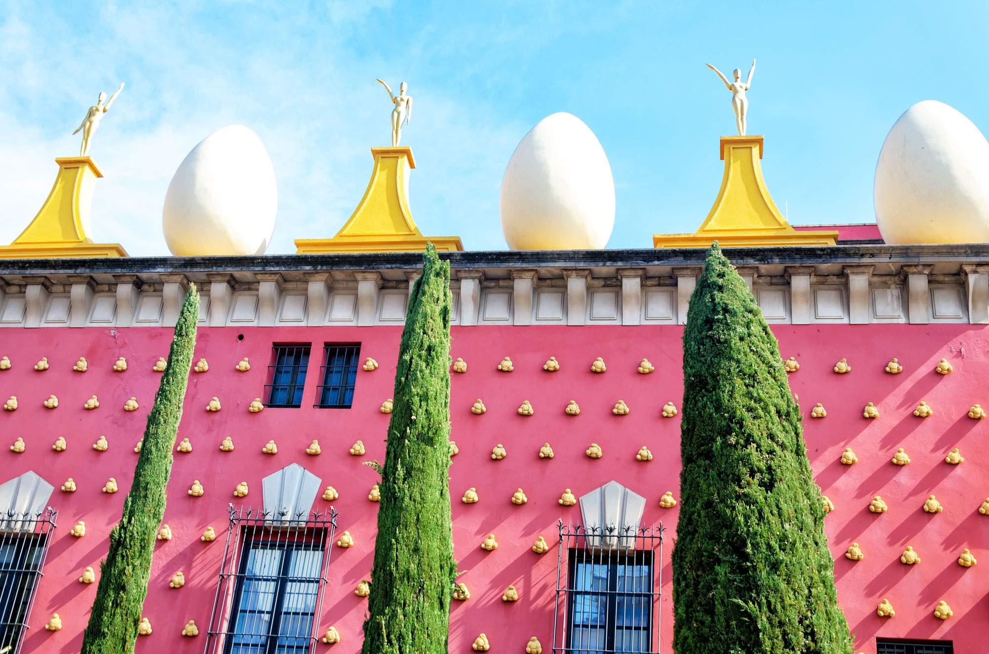 dali-museum-figueres-spain-travel-tour
