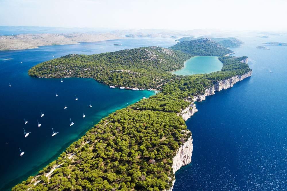 dugi-otok-croatia-Telašćica-yacht
