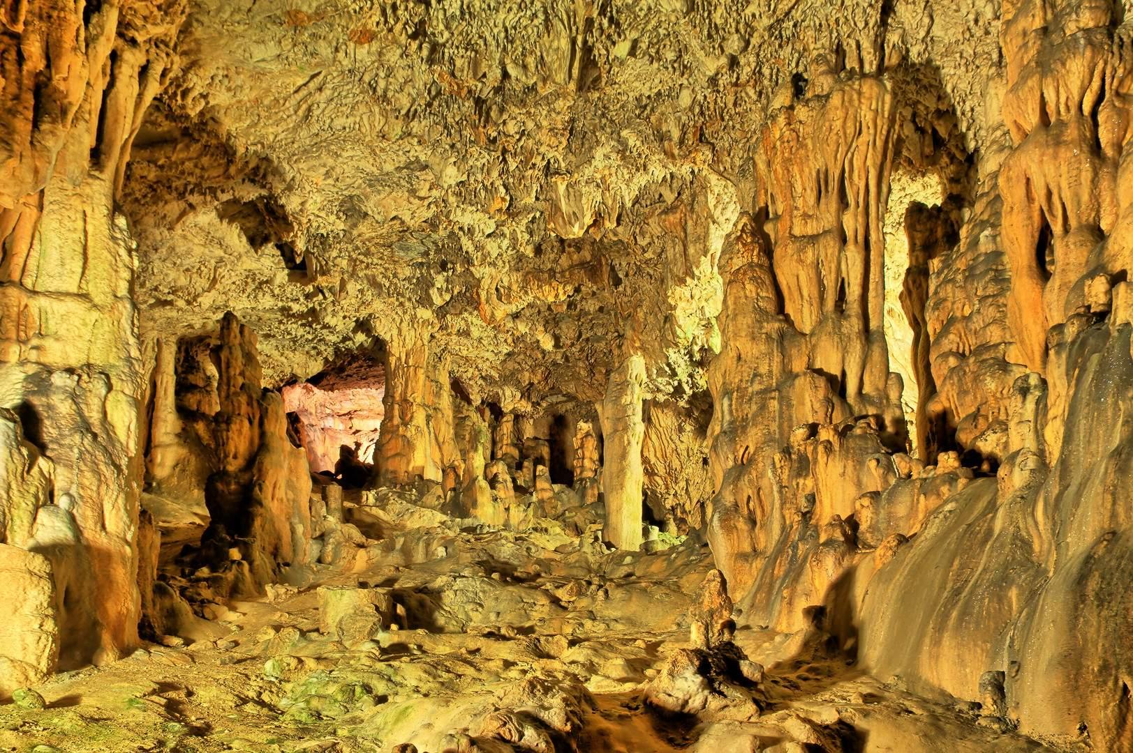 krk-cave-biserujka-croatia-island-tour