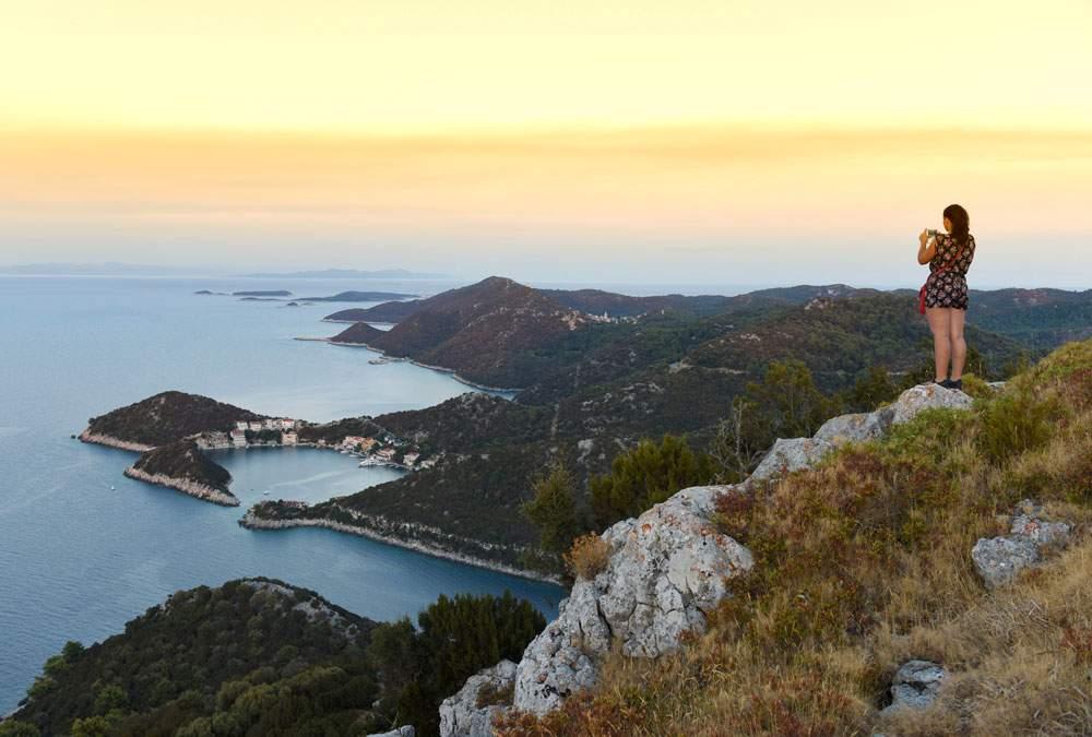 lastovo-croatia-hiking-cliff
