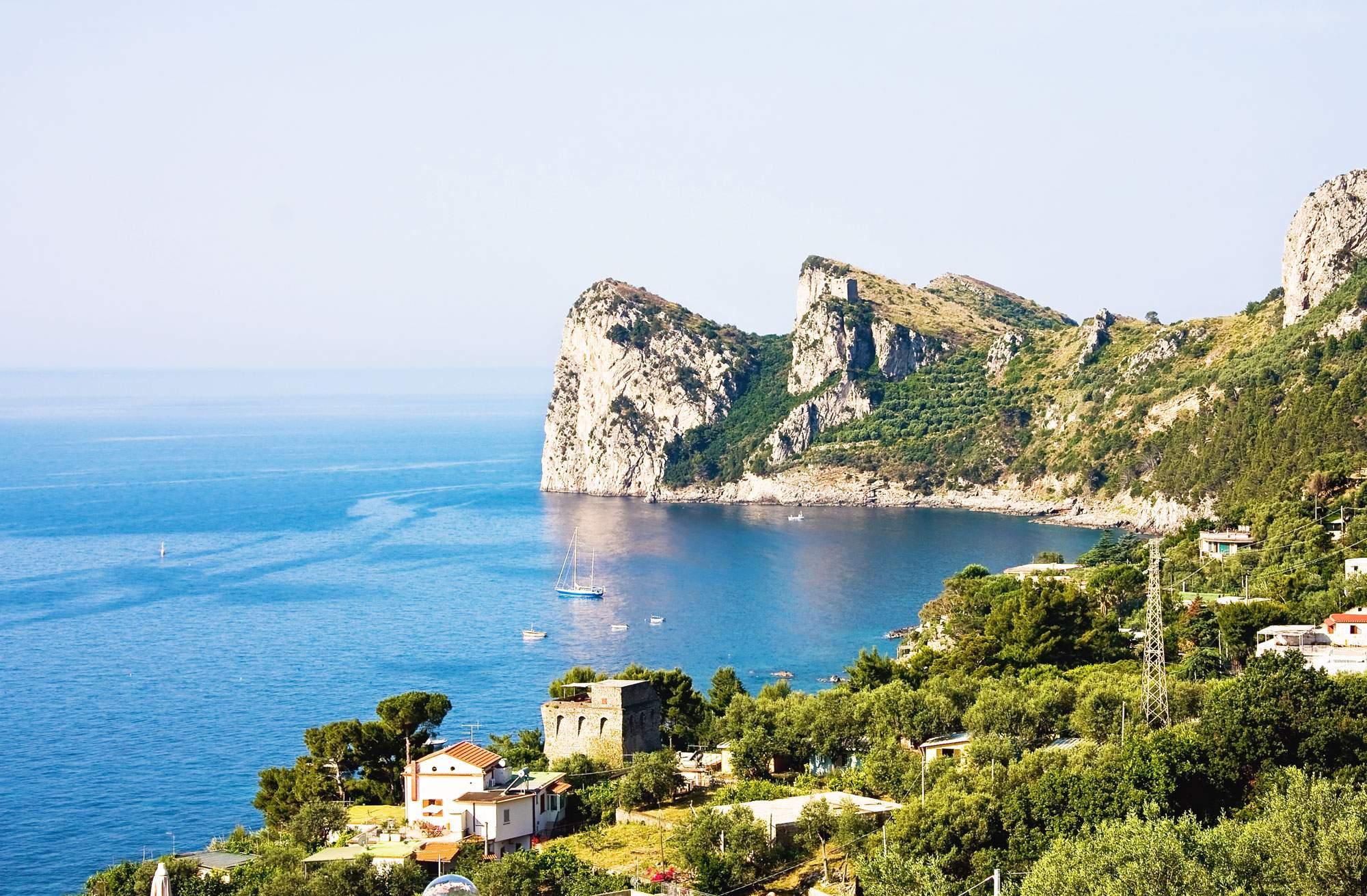 nerano-amalfi-coast-italy-village-town