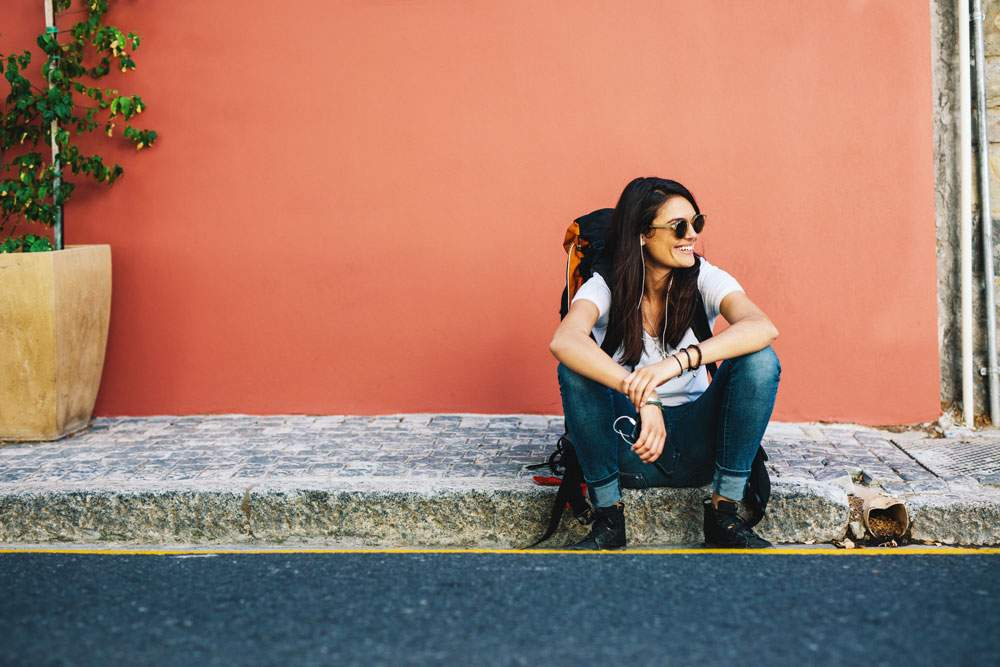 local-travel-waiting-girl-smiling