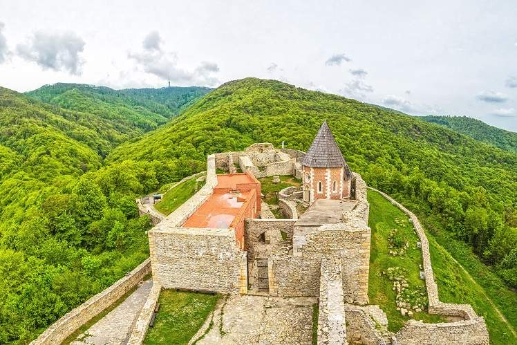 medvenica-mountain-biking-croatia-castle