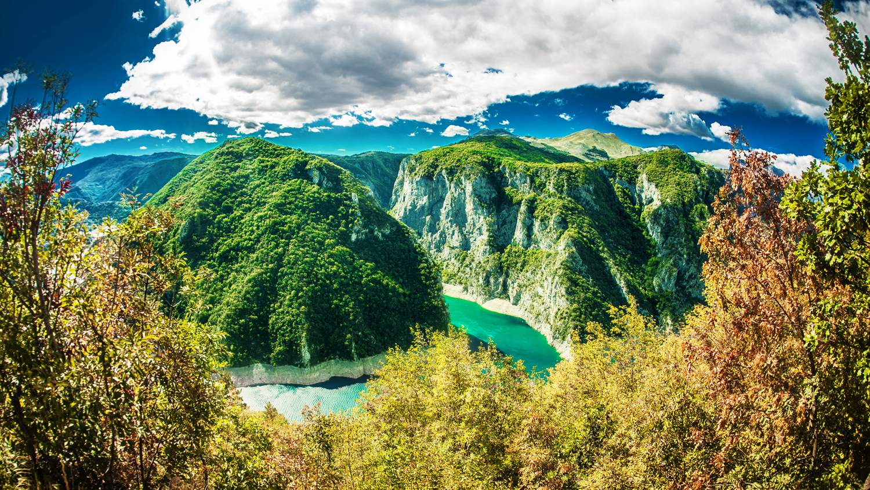 montenegro-road-trip-piva-river