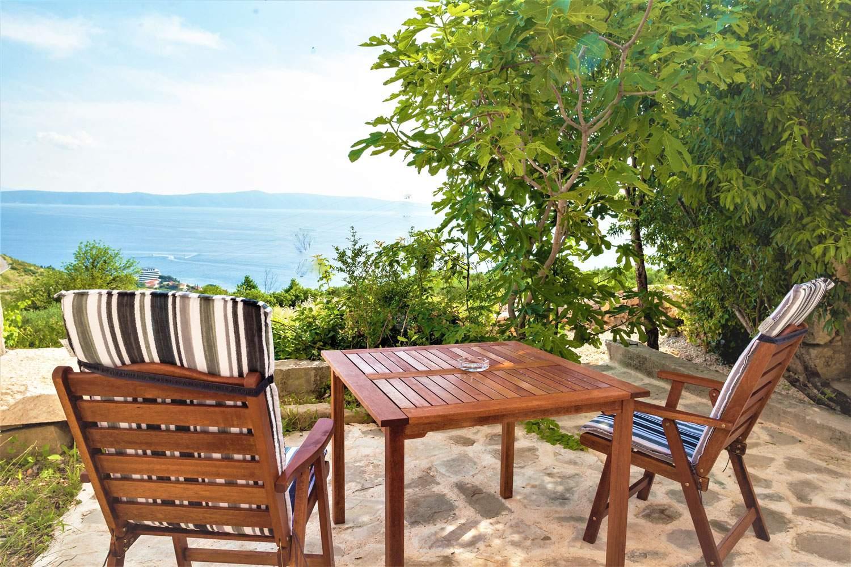 villa-ena-croatia-outdoor-alfresco-dining-table-seaview