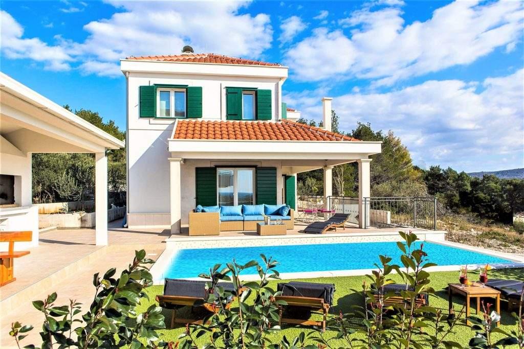 villa-eni-croatia-outdoor-alfresco-dining-house