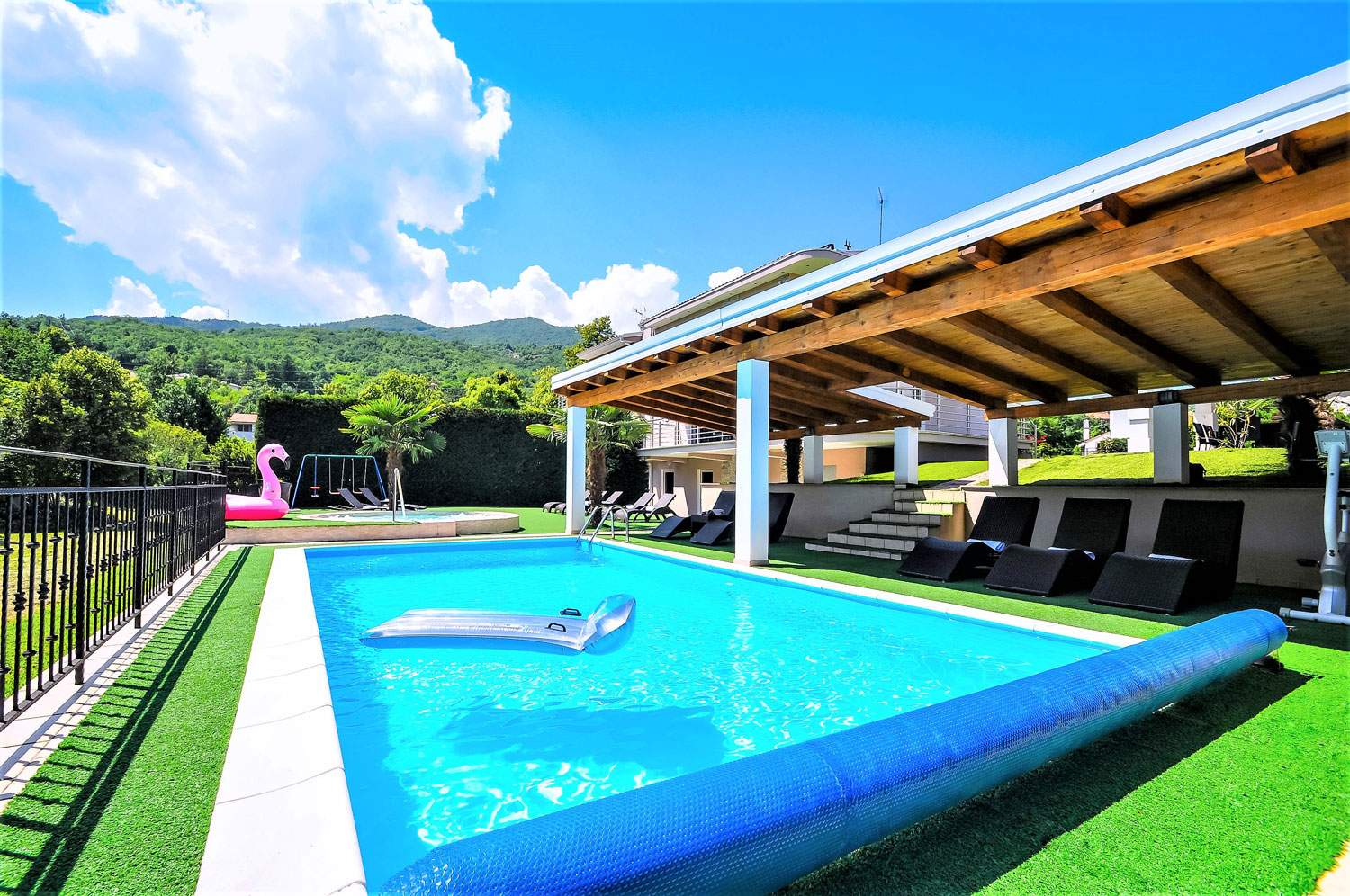villa-lorena-opatija-croatia-dining-area-backyard-pool