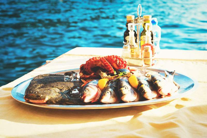 croatia-fish-served-outdoors-fresh