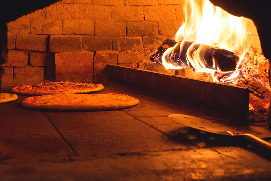 croatia-pizza-over-jupiter-croatia