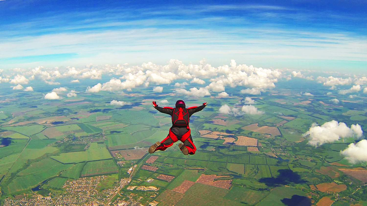 Extreme Tourism in Croatia: Skydiving, Bungee Jumping, and Paragliding