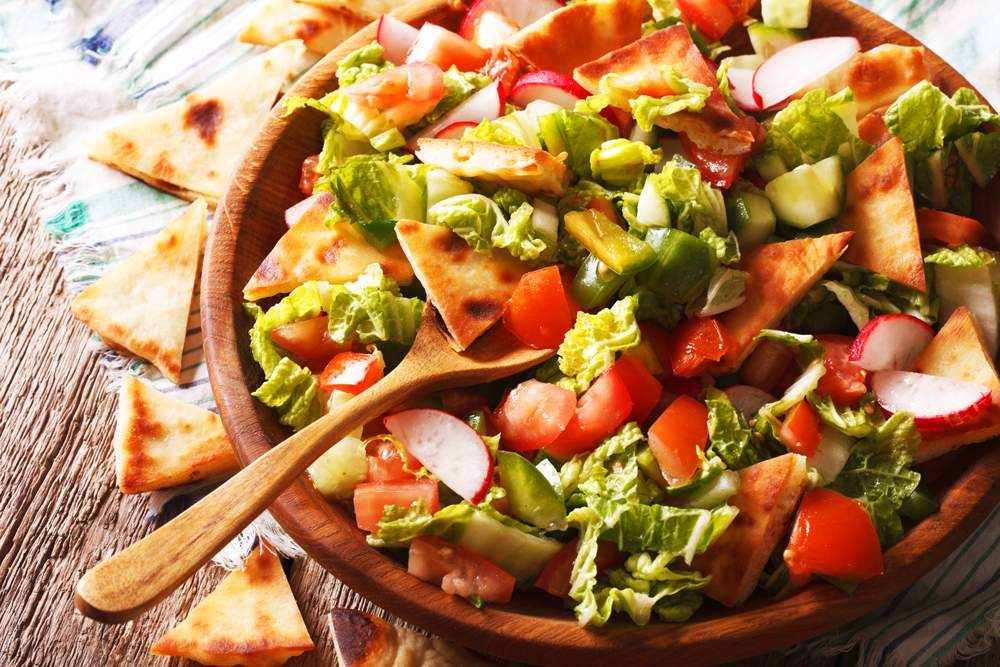 mediterranean-veggie-vegetarian-fatoush-salad