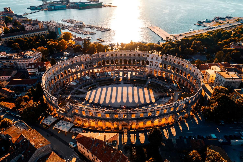 pula-film-festival-pula-amphitheatre-roman-ruins-arena