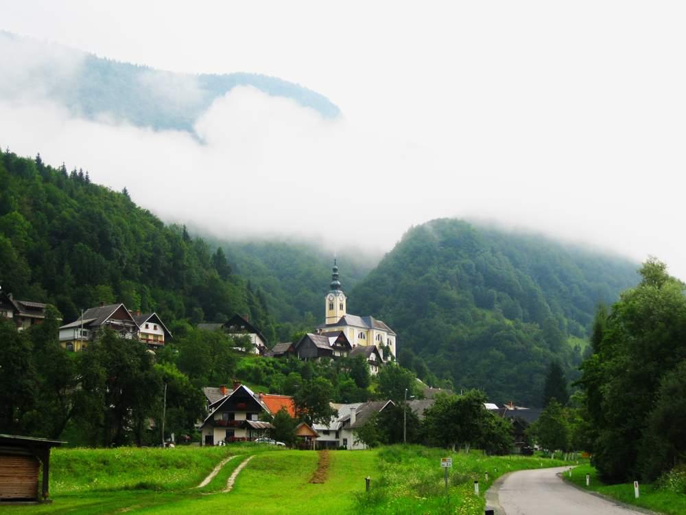 st-martins-church-Srednja-Vas-Bohinj