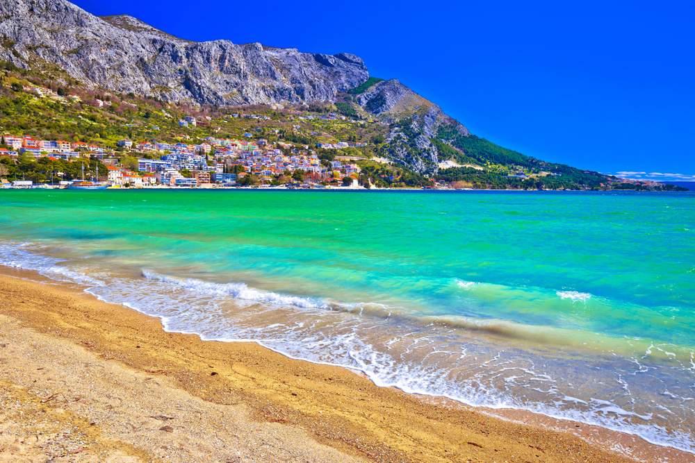 omis-beaches-croatia-sand