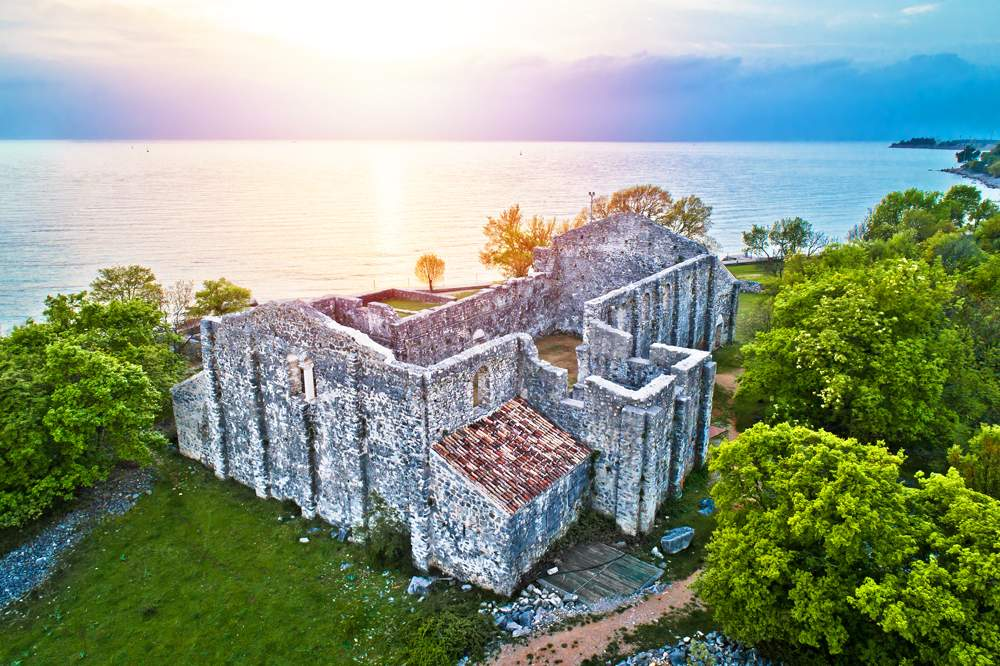 roman-ruins-krk-croatia