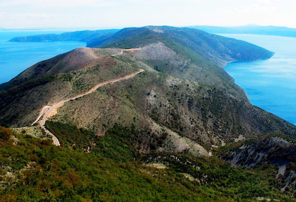 sis-mountain-cres-island