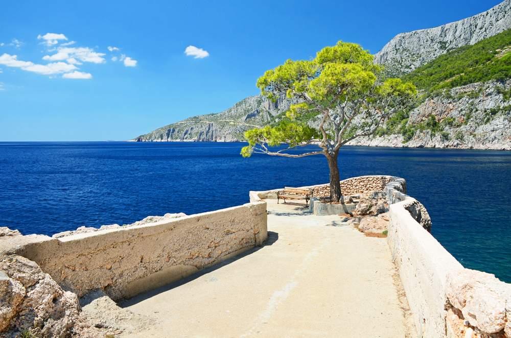 sunny-days-hvar-croatia
