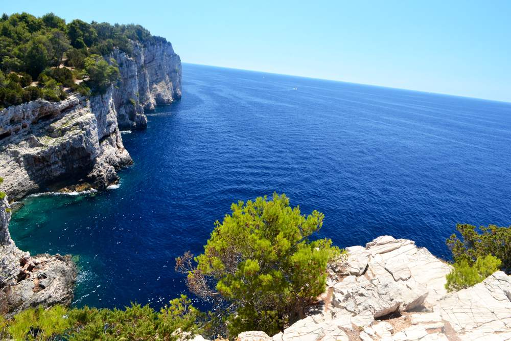 dugi-otok-cliffs