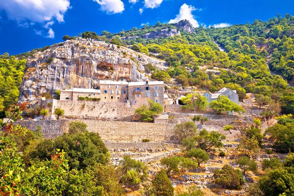 brac-blaca-monastery