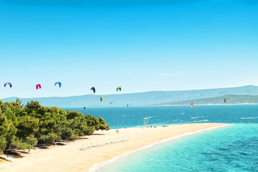 brac-bol-beach-windsurfing